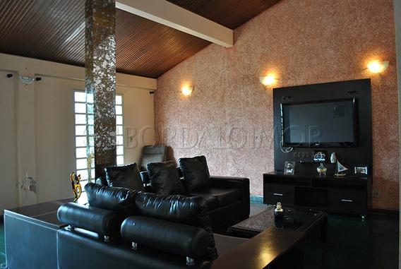 Ótima Oportunidade, Casa Com 230m², 3 Quartos, Sendo 2 Suítes, Garagem Para 4 Carros, Com Habite-se. - Villa119483