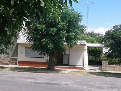 Vendo Casa En Juan Lacaze, Excelente Ubicación !!