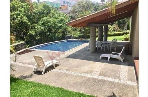 Departamento En Renta, Con Elevador, Ubicado En Av. Lomas De Ahuatlan, Cuernavaca Morelos.