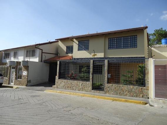 Twon House En Venta En Hoyo De La Puerta