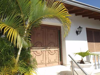 Casa Em Boa Vista Com 3 Dormitórios - Lu267462