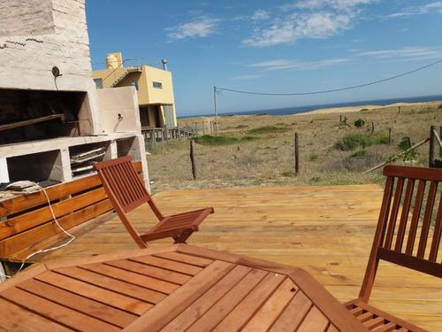 Casa De Dos Dormitorios Y Sofacama. Frente A La  Duna