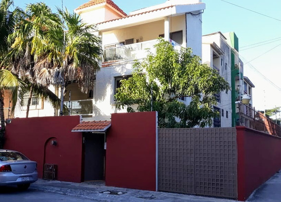 Hermosa Casa En Cancún, Céntrica,amplia, Jardín. Oportunidad