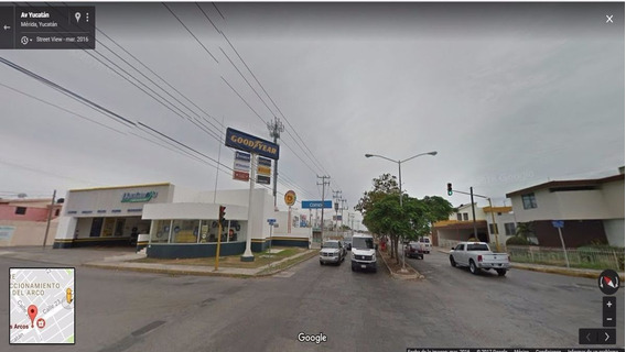 Casa En Esquina Sobre Av. Yucatán, Ideal Para Tu Negocio U Oficina