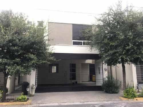 Casa Sola En Renta En Cerradas De Cumbres, Monterrey, Nuevo León
