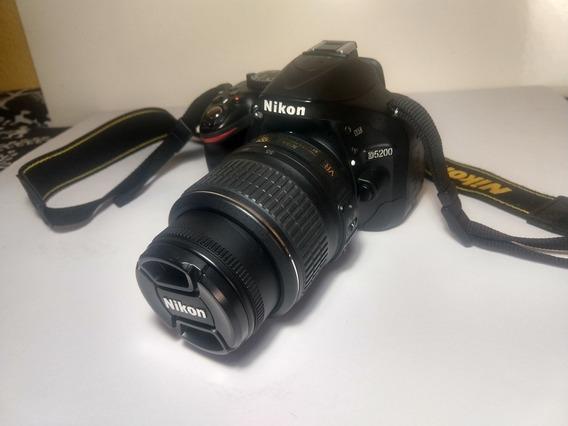 Camera Nikon D5200Lente 18-55