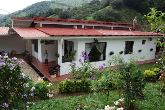 Hermosa Casa De Campo En Pedraza Via Chorro El Indio