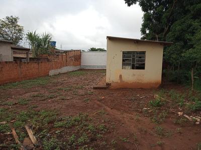 Casa Simplea Em Terreno Bem Grande, No Bairro Lageado.