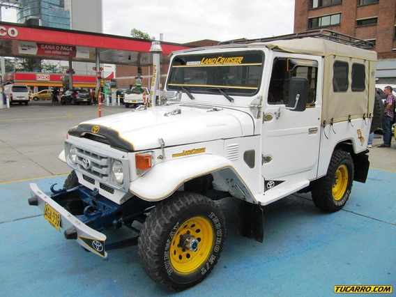 Toyota Land Cruiser 3500cc Mt