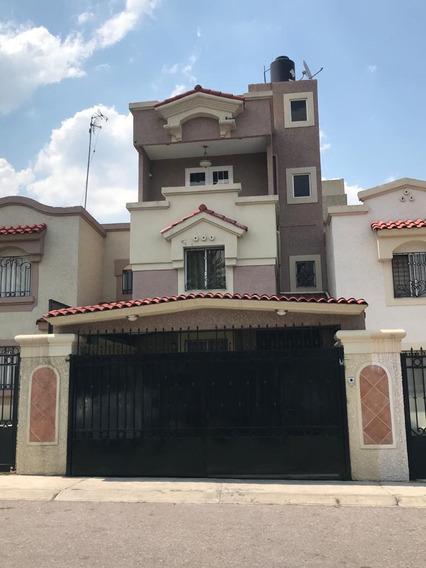Casa Paseo De La Lealtad 55 Urbi Quinta Montecarlo Sd W