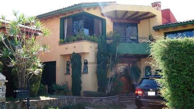 Casa Sola En Venta En Eucaliptos, Morelia, Michoacan