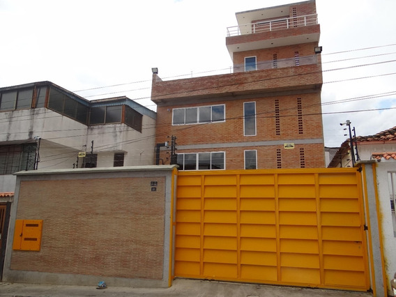 Local En Alquiler Urb. Mariperez Código-20-11741