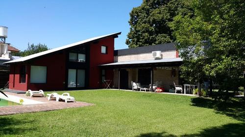 Casa En Venta. Villa Elisa.