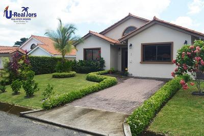 Hermosa Casa En San Carlos Ahora Rebajada A $210,000