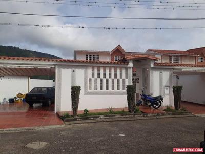Casas En Venta Urb. El Molino La Grita Codigo:323726