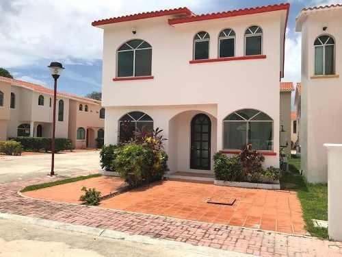 Casa A Estrenar En Renta Y Venta En Privada Cerca Del Mar 3 Rec Alberca Y Seg Playa Del Carmen