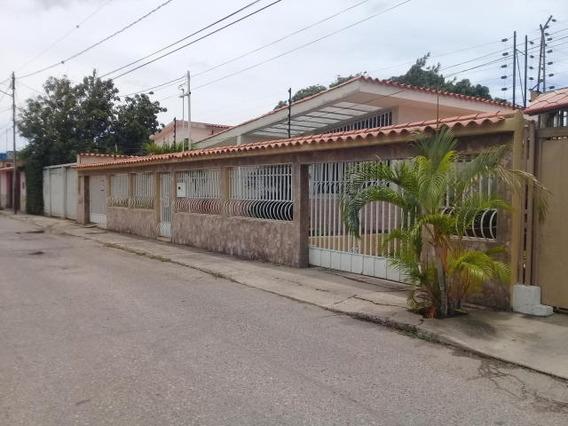 Casa En Venta Barquisimeto #20-1499 As