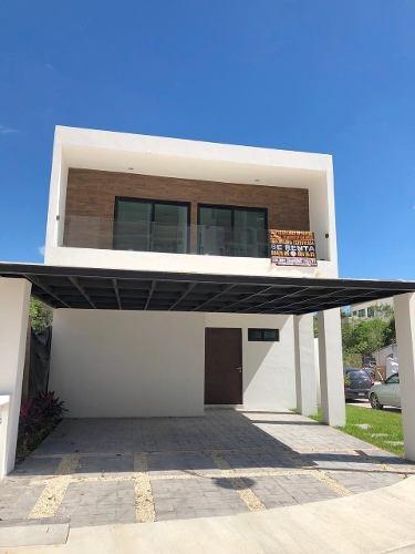 Estrena Moderna Y Hermosa Casa En Aqua En Esquina| 3 Recamar