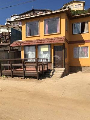 Casa En Venta De 2 Dormitorios En El Quisco