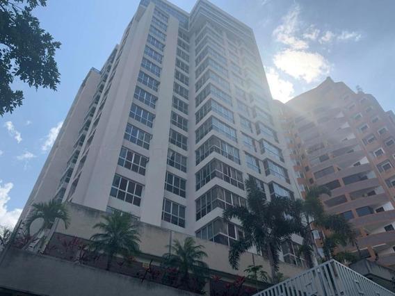 Apartamento En Venta El Parral, Valencia Cod 20-9074 Ddr