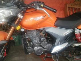 Venta De Moto Rkv-200