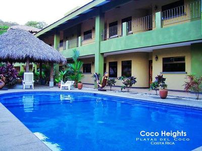 Disfrute Los Fines De Semana En Playas Del Coco
