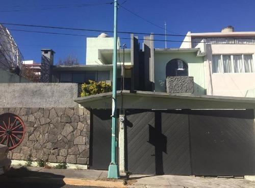 Casa En Renta En Lomas Altas, Toluca Estado De México.