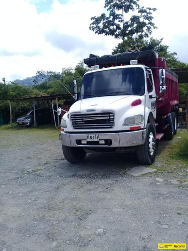 Volqueta - Freightliner  M2 106