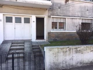 Casa En Ph Planta Baja 2 Dormitorios 1 Baño Y Patio