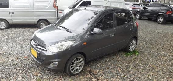 Hyundai I10 Gl Motor 1.1 2013 Gris Carbon 5 Puertas