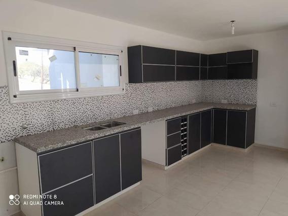 Casa En Alquiler De Tres Dormitorios En Cumbre Del Golf - Villa Allende