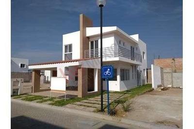 Trm858 Venta De Casa Nueva Zona Norte, Las Plazas