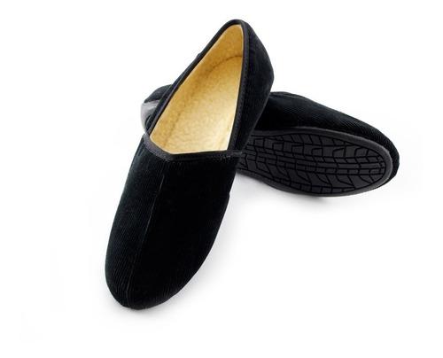 Pantuflas Pana Negra. Zapatos Para Hogar Cómodos Para Hombre