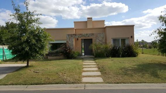 Alquiler - Casa 3 Amb Amoblado C/ Parque Y Parrilla - Pilar