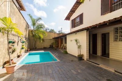 Casa Com 4 Dormitórios E 4 Garagens - Id: 892935025 - 235025
