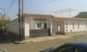 Casa En Venta Ciudad Alianza Guacara Carabobo 19-8622 Yala