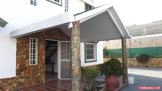 Código # 955 Casa En Club De Campo San Antonio De Los Altos.