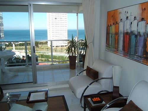Apartamento En Alquiler Por Temporada De 2 Dormitorios En Playa Mansa