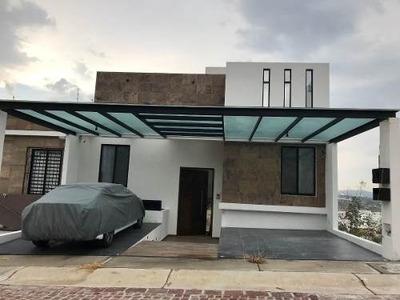 Casa 3 Niveles Nueva En Cumbres Del Lago, Juriquilla
