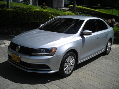Volkswagen New Jetta 2.0 Comfortline 2015 Secuencial