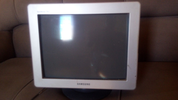 Monitor Crt Samsung Syncmaster 794s 17 Crt 65 Hz