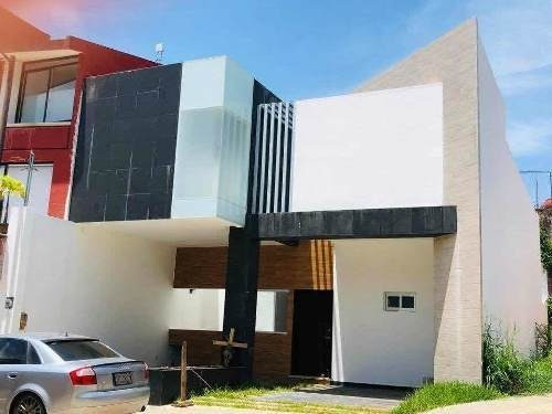 Venta De Casa En Fraccionamiento Alameda En Cordoba, Ver.