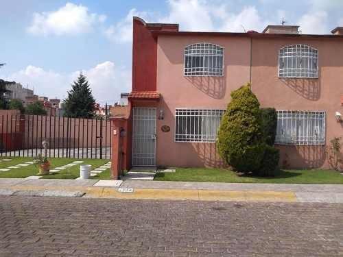 Casa En Renta En Real Del Bosque, Tultitlán, México.