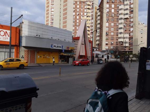 Alquilo Cochera En Alberdi / Centro Para Autos Y Motos - Estadías O Mensual