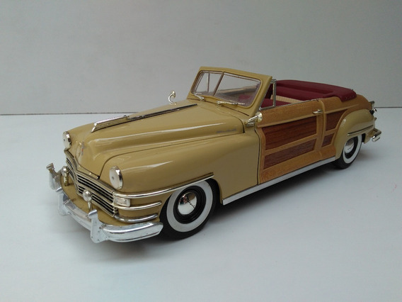 Miniatura Chrysler Town Country - 1:18 Motor City Na Caixa
