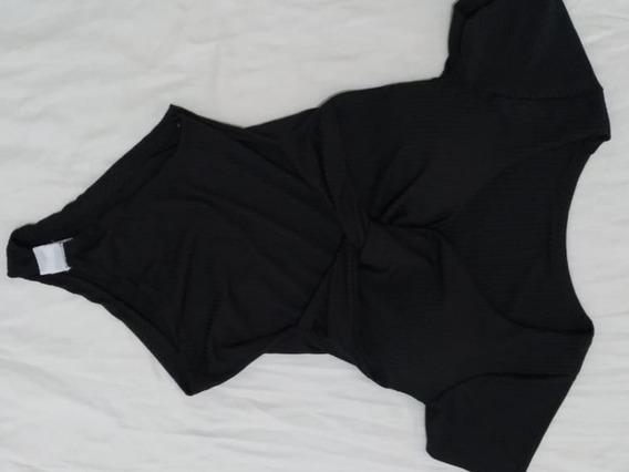 Body Feminino Preto Manga Curta Com Bojo Frente Trançada
