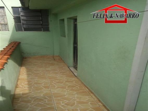 Casa Fundos - 03 Comodos - 985