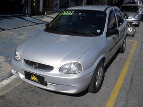 Corsa Sedan 2001 1.0