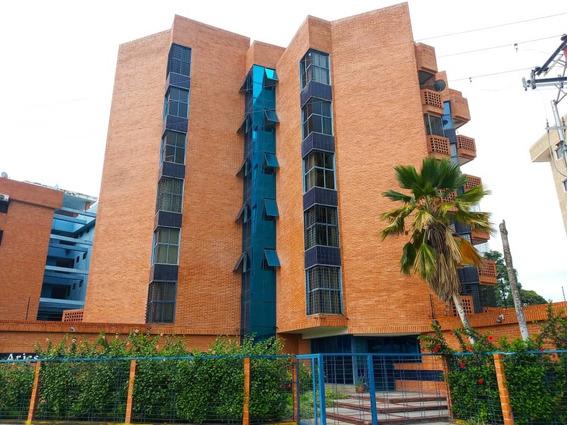 Apartamento En Alquiler, 04166437900