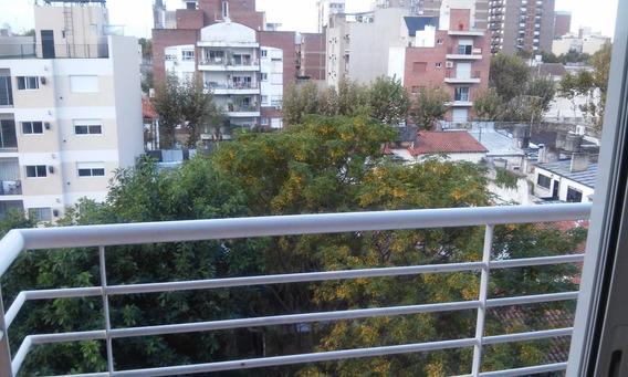 2 Ambientes Con Balcón (opción De Cochera En El Edificio)